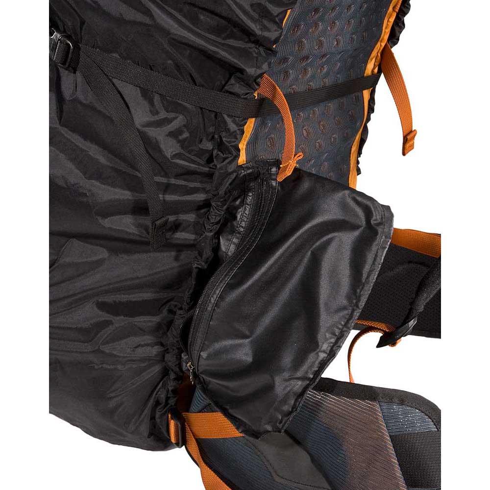 8e3c2d756780 Arc teryx Pack Shelter S Black buy and offers on Trekkinn