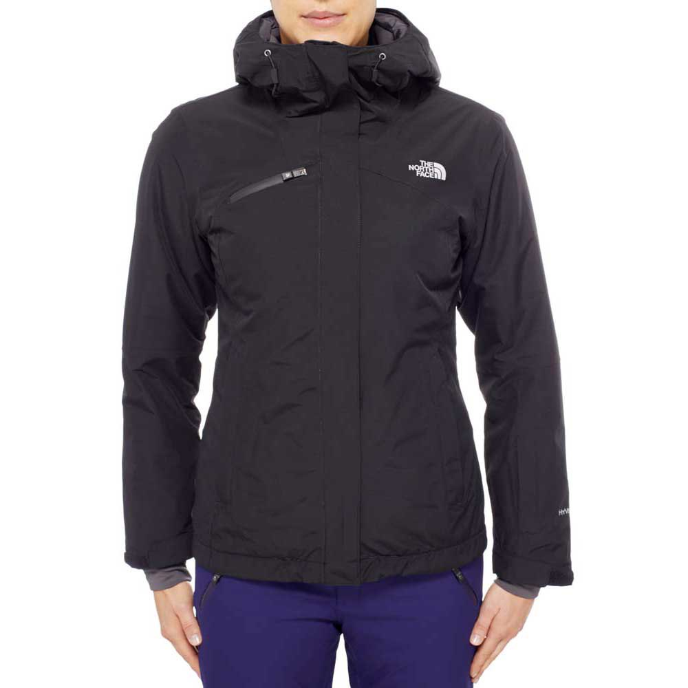 The North Face coupon codes can be submitted before Checkout. Go to your Shopping Cart and look underneath the order total, lifetime guarantee and free return rules where you can click the Apply A Promo Code button.