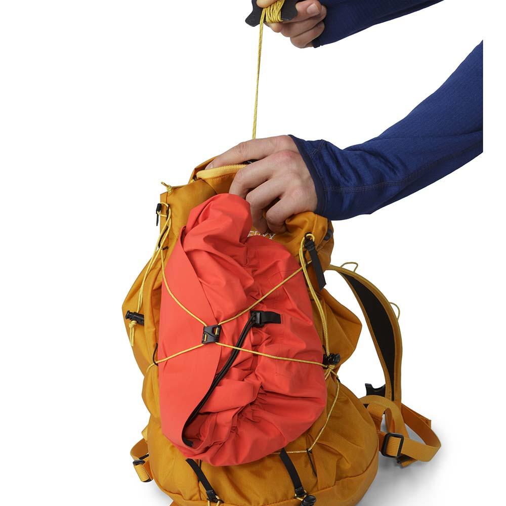 bd1574d023c8 Arc teryx Cierzo 18 Backpack Grey buy and offers on Trekkinn