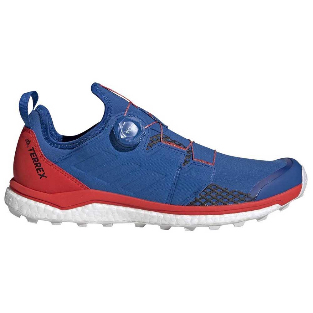 chaussure adidas trek